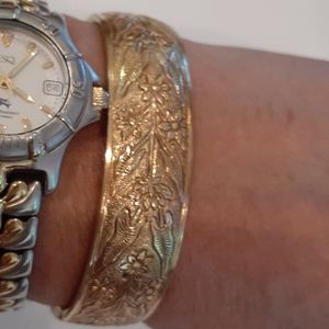 Jewelry - Vintage golden bracelet.